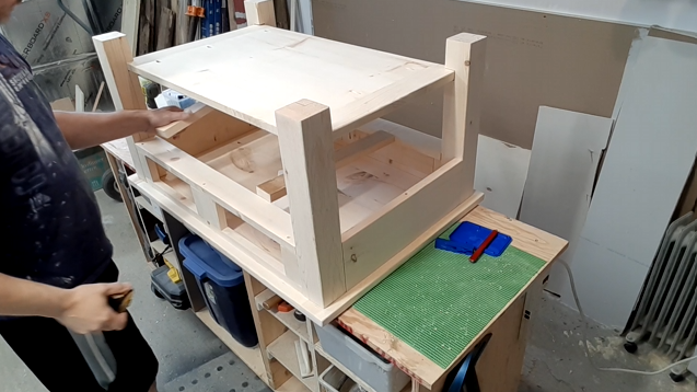 Final assembly of the coffee table