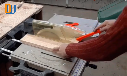 Cutting wood for wine bottle carrier