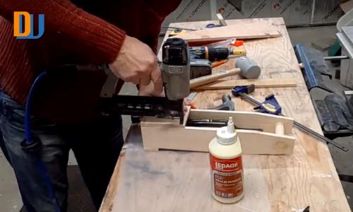 assembling wood for wine bottle carrier